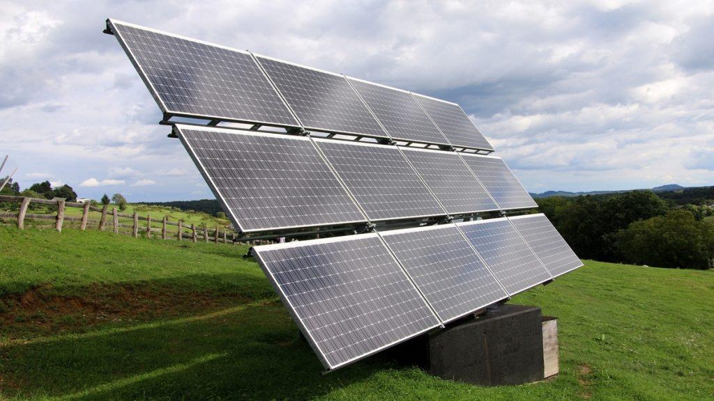 Investeringer i fornybar energi solceller hydrogen vindkraft